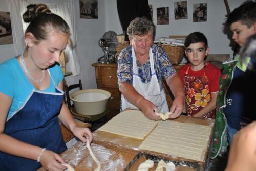 5. közös sütés iduska nénivel